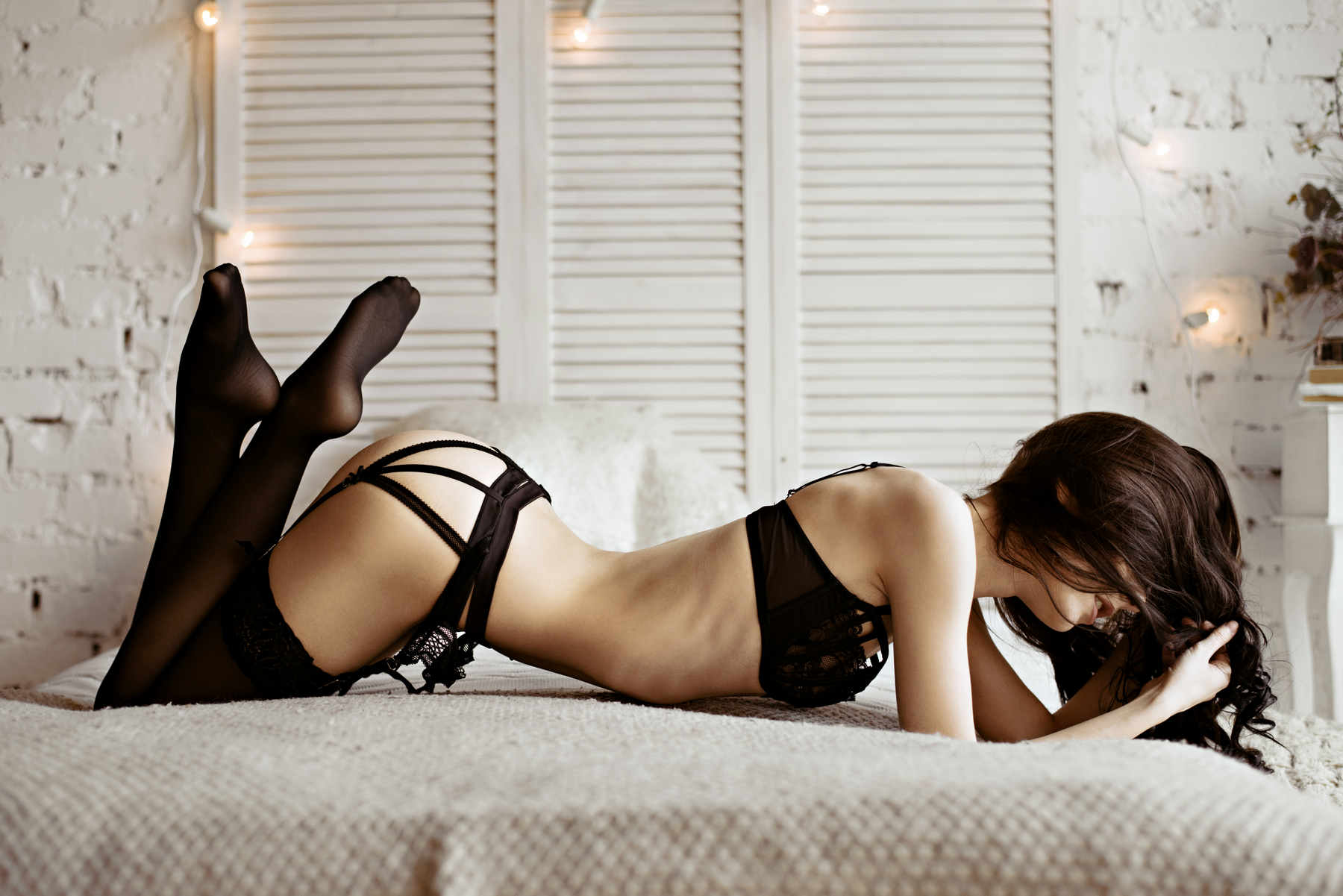 lonely wife hookup header